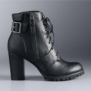 Simply Vera Wang Catania Black Boots Size 9